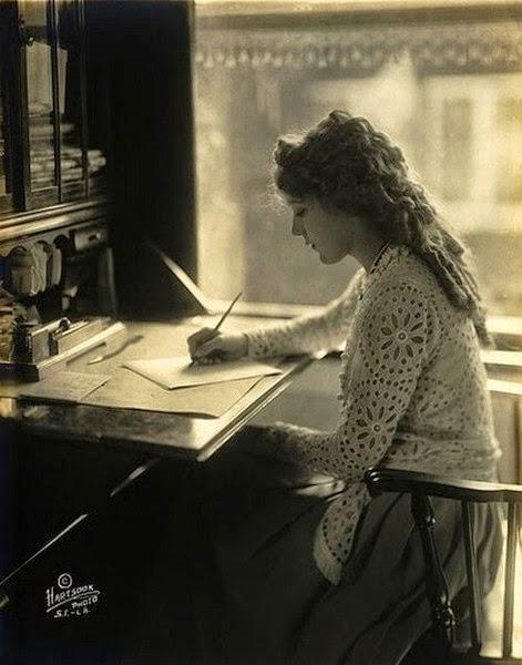 aspirante a escritora gemelo de papel y tinta
